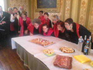 ENVOL'ART Fête de la Voix - 28-05-2016 - Gâteau anniversaire Mairie